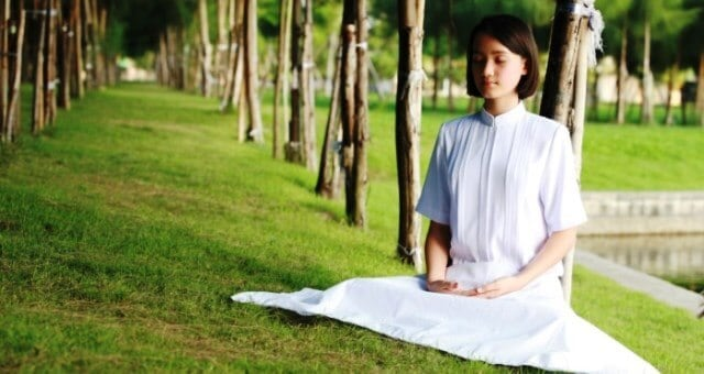 Meditation Helps In Weightloss