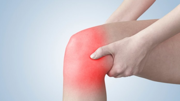 how to cure a swollen knee using home remedies
