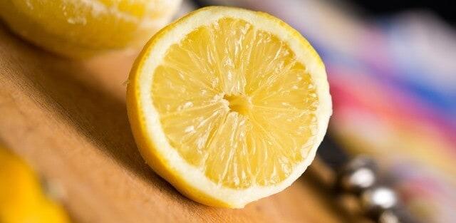 Lemon Juice For Fuller Lips