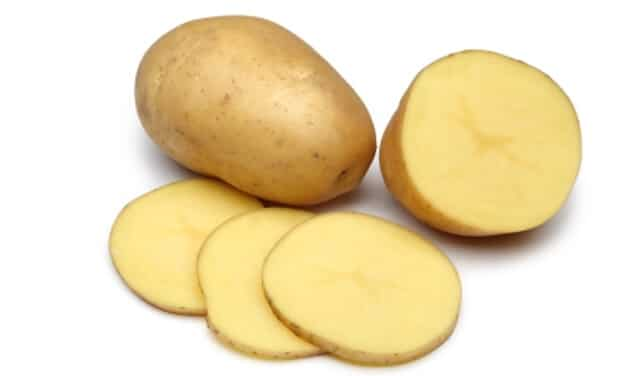 Potato Slice To Remove Acne Scar