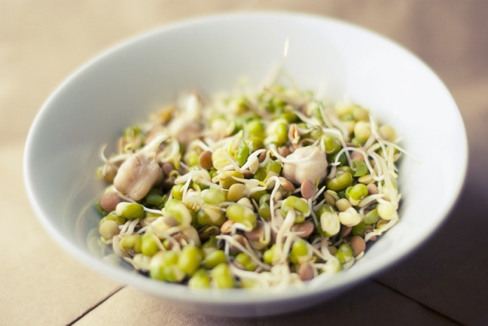 9 Different Types Of Sprouts & Health Benefits Of Eating Them