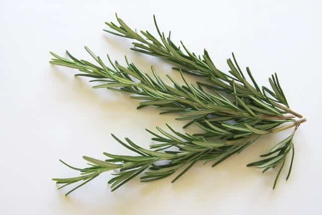 Benefits Of the Rosemary Oil