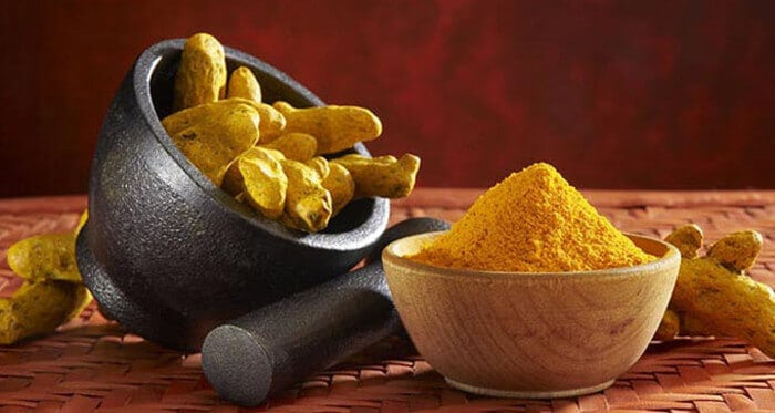 How does turmeric help against bipolar disorder