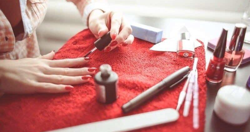 How To Make Homemade Nail Polish Remover At Home?