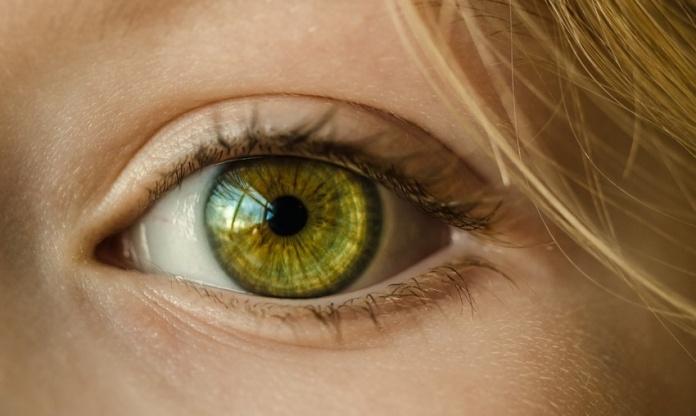 How To Treat An Ingrown Eyelash