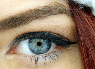 Natural Way To Dye Your Eyebrows Using Henna