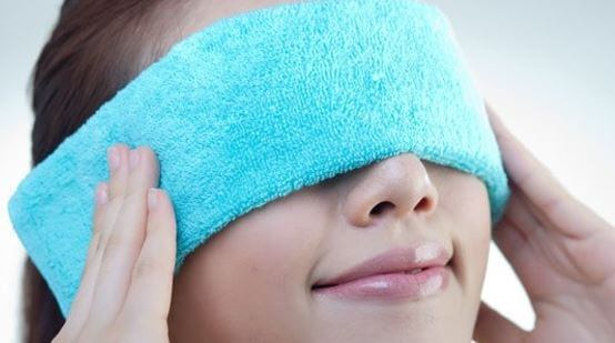 BENEFITS OF WARM COMPRESS ON EYES