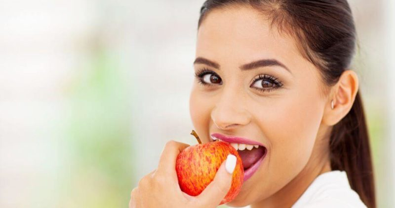 Eating Apple A Day Can Save You From These Five Types Of Cancer