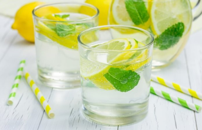 Try These Flat Tummy Water Recipes For Effective Weight Loss