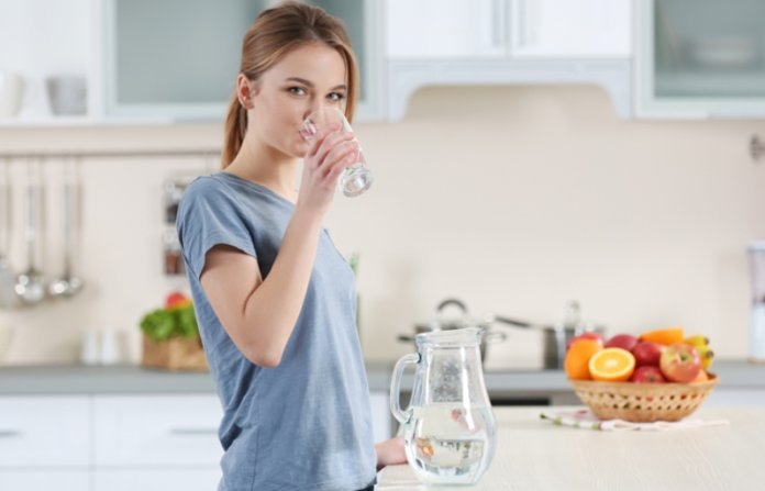 Why You Need To Drink A Glass Of Water 60 Seconds After You Wake Up