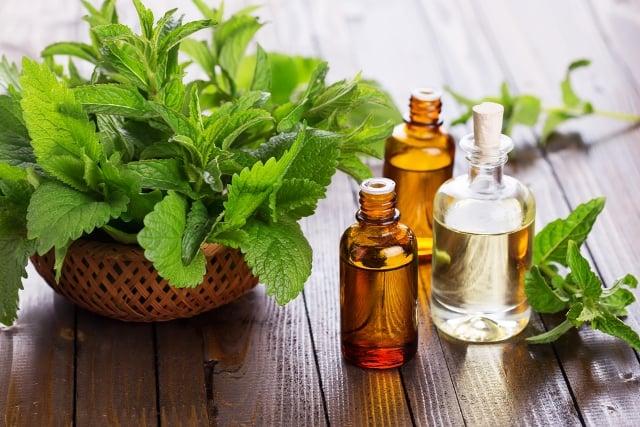 Peppermint oil for foot soak