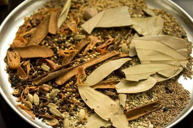 INGREDIENTS OF GARAM MASALA
