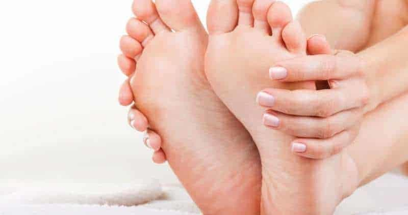 How To Get Rid Of Dry, Cracked Feet (Complete Guide)