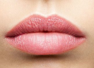 How To Get Rid a Swollen Lip Fast