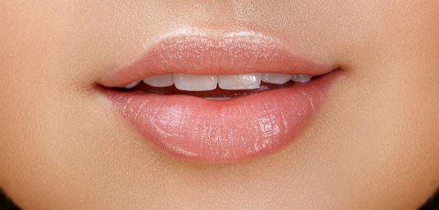Symptoms Of Swollen Lips