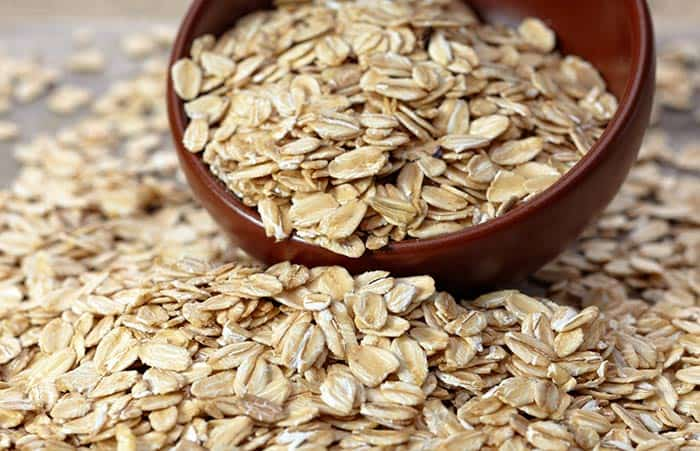 DIY face mask using oatmeal