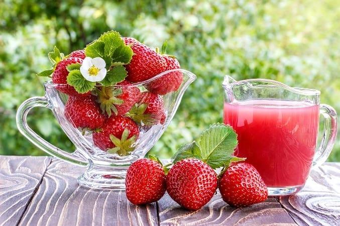 Strawberry lime rickey