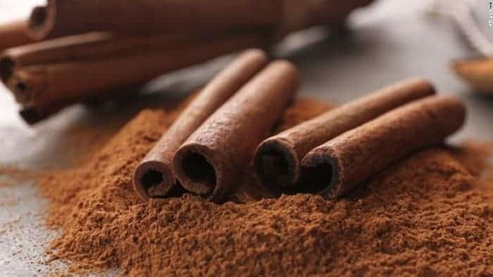DIY Face Mask For Acne Using Cinnamon