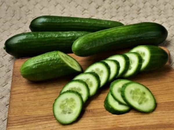DIY Face Mask For Glowing Skin In Summer Using Cucumber