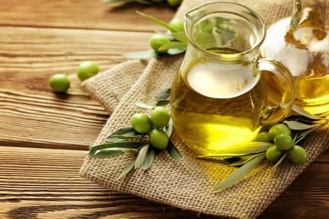 DIY Face Mask For Glowing Skin In Winters Using Olive Oil