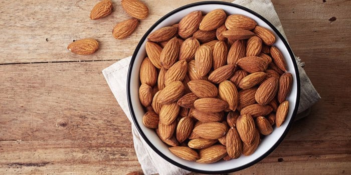 DIY Face Mask Using Almonds And Milk