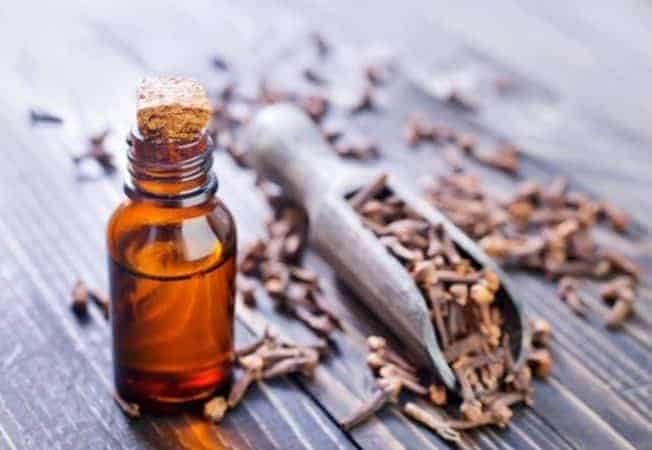 DIY Face mask for acne using Clove