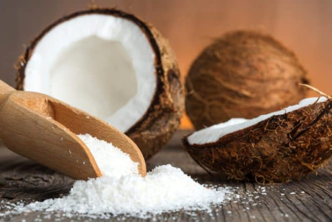 DIY face mask for dry skin using Coconut