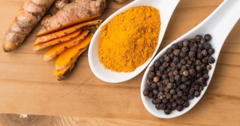 10 Incredible Health Benefits Of Turmeric And Black Pepper
