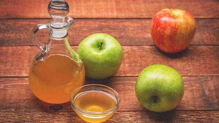 Apple cider vinegar to treat hair dye allergy