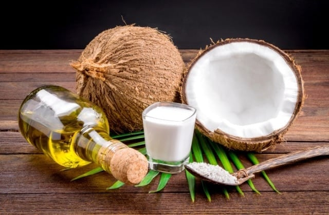 Coconut oil to treat hair dye allergy