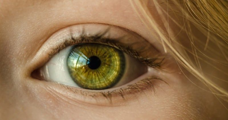 21 Effective Home Remedies To Cure Corneal Abrasion