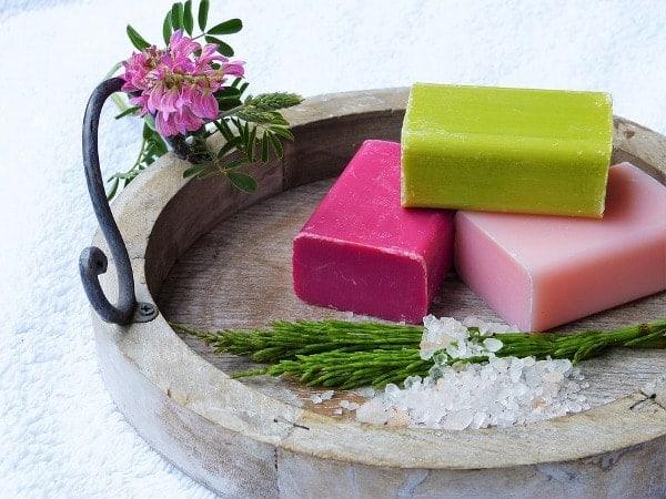 Soap to treat hair dye allergy